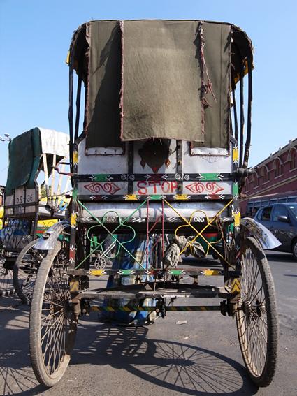 Kolkata-Rickshaw-R0129492.jpg