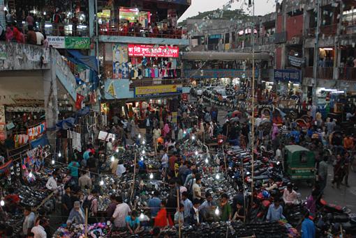 R2N-0465-Dhaka-NewMarket-3.jpg
