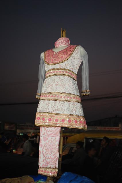 R2N-0494-Dhaka-NewMarket-1.jpg