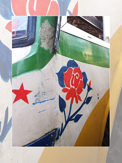 R2N-R0124279-Dhaka-bus.jpg