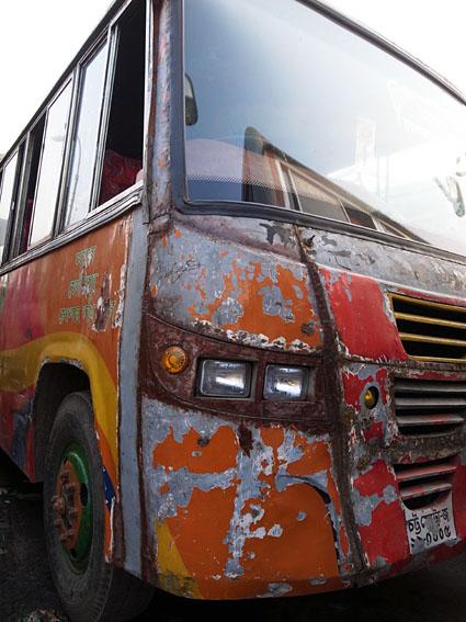 R2N-R0124288-Dhaka-bus.jpg