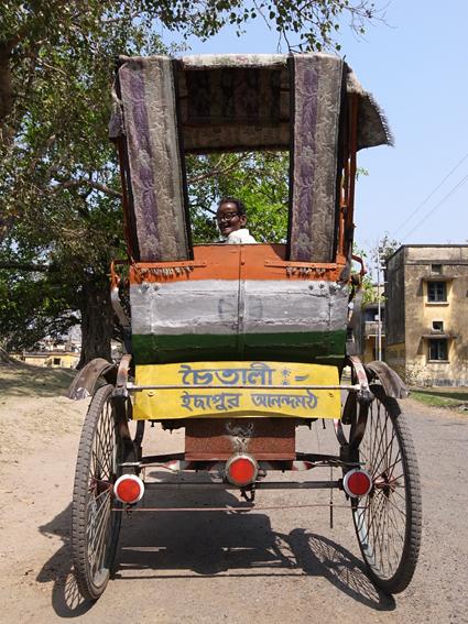 Rickshaw-Kolkata-R0129836.jpg