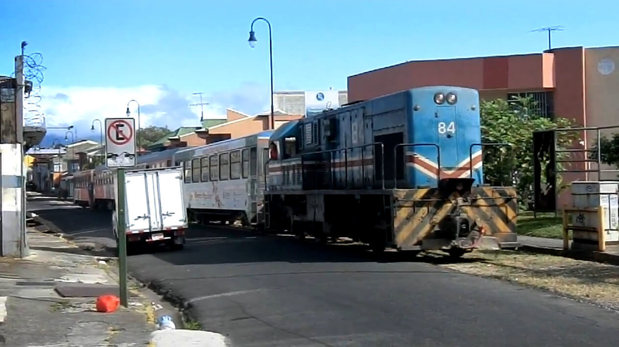 Train-SanJose-CostaRica-1.jpg